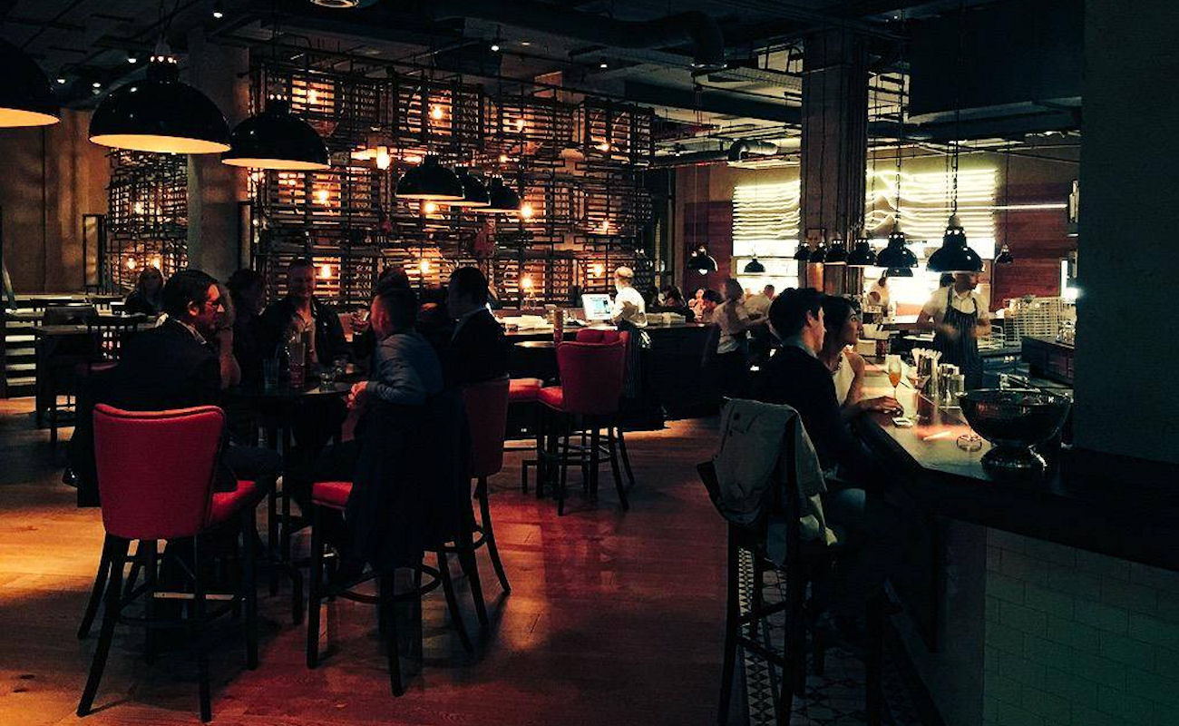 Bars near The Royal Exchange Theatre and shops in Manchester ~ Burger & Lobster Manchester