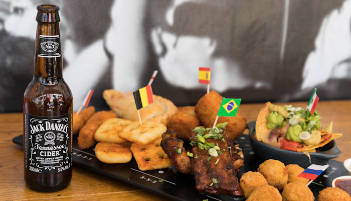 Live Sports Bars In Manchester - Cafe Football At Hotel Football