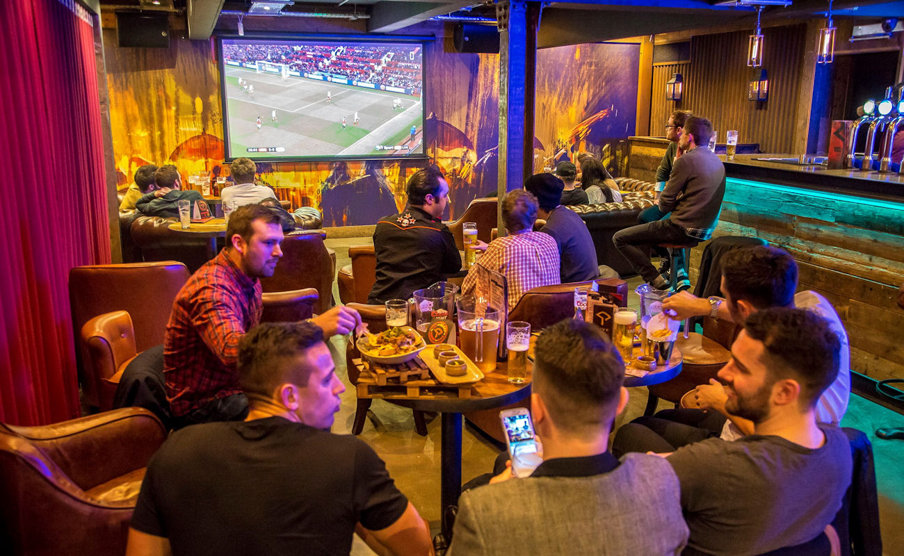 Live Sports Bars In Manchester - Dive Manchester