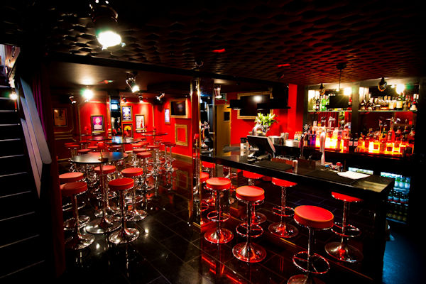 Canal Street Manchester Bars ~ Oscars