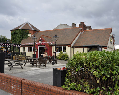 Hotels Near Old Trafford